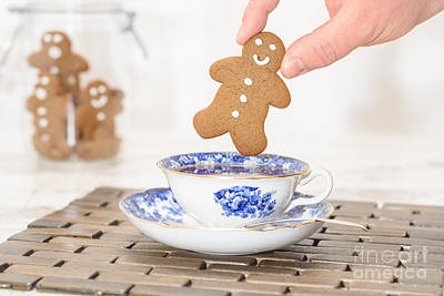 Gingerbread In Teacup Poster by Amanda Elwell