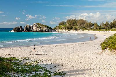 Horseshoe Bay In Bermuda Poster