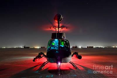 Oh-58d Kiowa Pilots Run Poster by Terry Moore