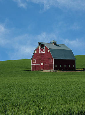 Old Red Barn In The Palouse Poster by James Hammond
