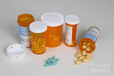 Progesterone 200mg And Estradiol 2mg Poster