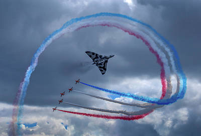 Red Arrows Vulcan Farewell Tribute Poster by Smart Aviation Art