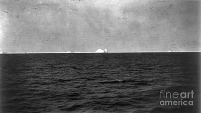 Titanic: Iceberg, 1912 Poster