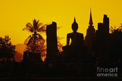 Wat Mahathat Poster by Gloria & Richard Maschmeyer - Printscapes