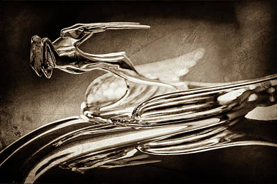 1931 Chrysler Cg Imperial Roadster Hood Ornament -0561s Poster