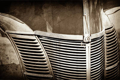 1940 Ford Deluxe Coupe Grille -0283s Poster