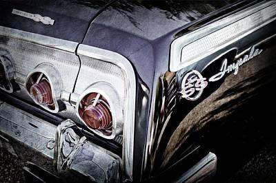 1962 Chevrolet Impala Ss Taillight Emblem -058ac Poster by Jill Reger