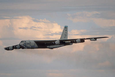 Boeing B-52g Stratofortress 59-2565 93rd Bomb Wing Castle Afb September 17 1992 Poster by Brian Lockett