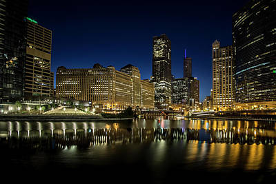 Chicago River And Skyline At Dawn Poster