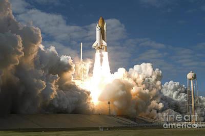 Space Shuttle Atlantis Lifts Poster
