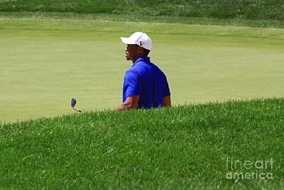 Tiger Woods On The Putting Green Poster