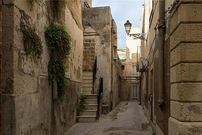 A Marble Staircase To Nowhere - Tiny Italian Lane In Syracuse Sicily Poster