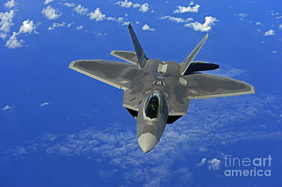 A U.s. Air Force F-22 Raptor In Flight Poster