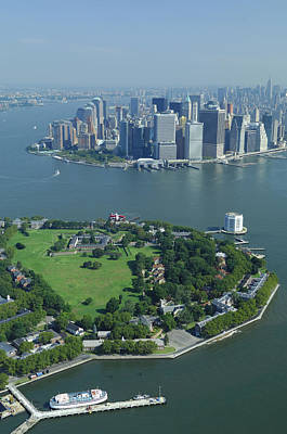 Aerial Governors Island And Manhattan, New York Poster