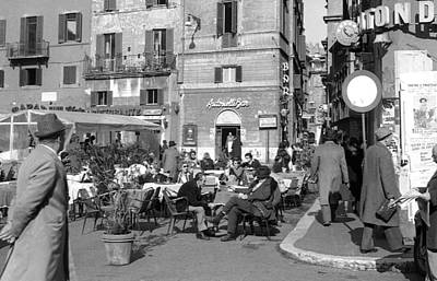 An Ordinary Day In Trastevere Poster