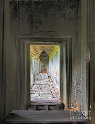Angkor Wat Hallway Poster