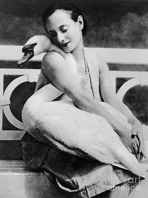 Anna Pavlova With Her Pet Swan Jack, 1905 Poster