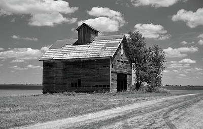 Barn Scene ...black And White Poster by Tom Druin