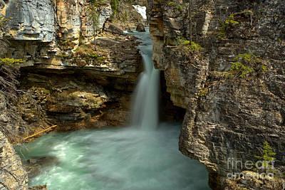 Beauty Creek Canyon Falls Poster