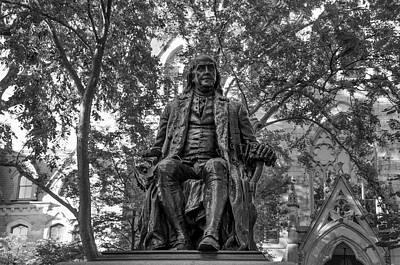 Benjamin Franklin Staue - University Of Pennsylvania In Black An Poster by Bill Cannon