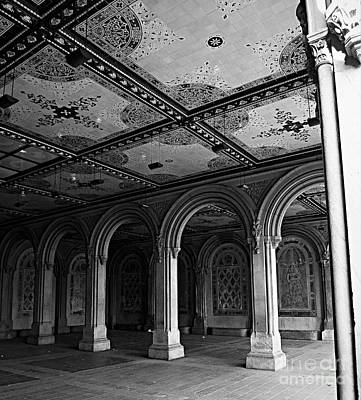 Bethesda Terrace Arcade In Central Park - Bw Poster