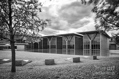 Black And White Image Of The Museum Of Modern Art Of Forth Worth - Texas Poster