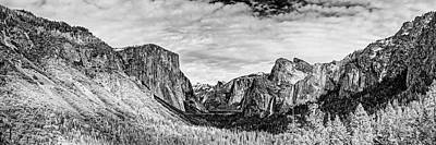 Black And White Panorama Of Yosemite Valley From Tunnel View Scenic Overlook - Sierra Nevada Poster