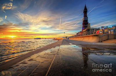 Poster featuring the photograph Blackpool Sunset by Yhun Suarez