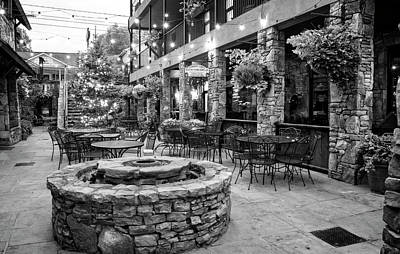 Blue Ridge Courtyard In Black And White Poster
