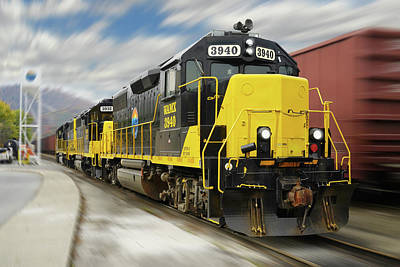 Blue Ridge Southern 3940 On The Move 2 Poster by Mike McGlothlen