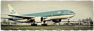 Boeing 777 Landing Poster