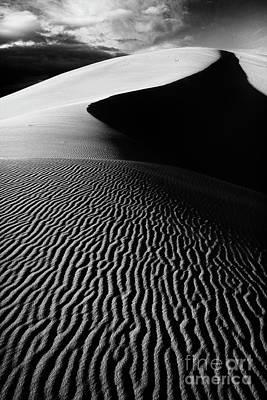 Boundless Dune Ll - Black And White Poster by Hideaki Sakurai