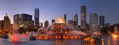 Buckingham Fountain In Chicago Poster by Twenty Two North Photography