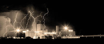 Budweiser Lightning Thunderstorm Moving Out Bw Sepia Panorama Poster