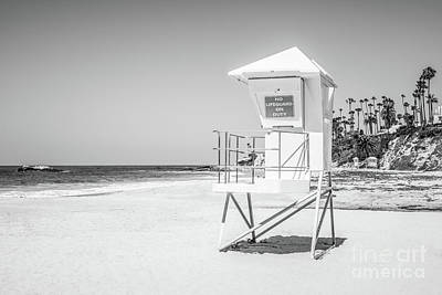California Lifeguard Tower In Black And White Poster