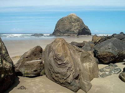 Cannon Beach Boulders Poster