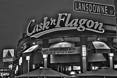 Cask And Flagon Citgo Sign Lansdowne Street Black And White Poster by Toby McGuire