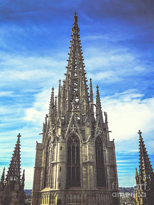 Poster featuring the photograph Catedral De Barcelona by Colleen Kammerer