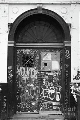Chelsea Doorway Nyc Poster by Edward Fielding