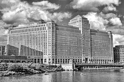 Poster featuring the photograph Chicago Merchandise Mart Black And White by Christopher Arndt