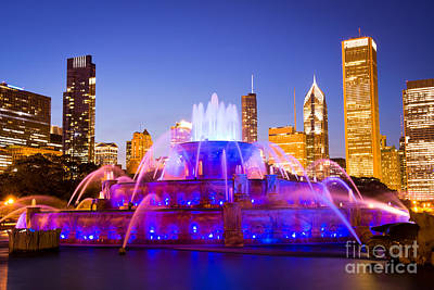 Chicago Skyline At Night With Buckingham Fountain Poster