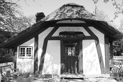 Children's Cottage At Old Westbury Gardens In Black And White Poster by John Telfer