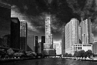 City - Chicago Il - Trump Tower Bw Poster by Mike Savad