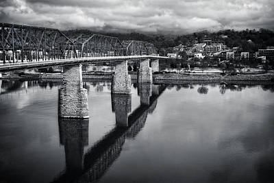Cloudy Morning At The Walnut Street Bridge In Black And White Poster