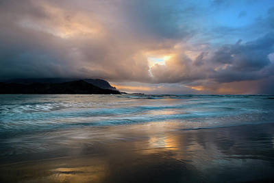 Cloudy Sunset At Hanalei Bay Poster