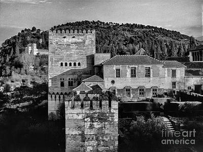 Comares Tower And Generalife The Alhambra Bw Poster