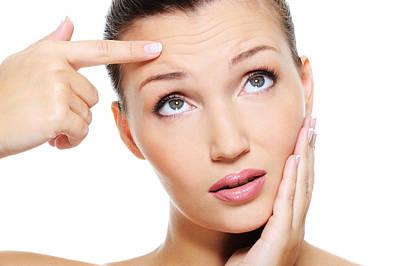 Critical Skin Advantages Of Aloe Vera Gel Poster