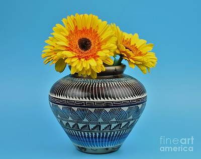 Daisies Displayed In Navajo Native American Vase Poster by Ray Shrewsberry