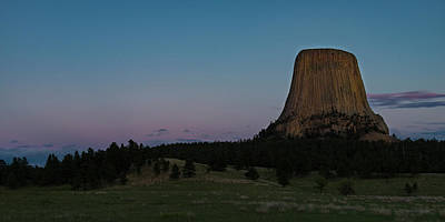 Poster featuring the photograph Devil's Tower At Dusk by Gary Lengyel