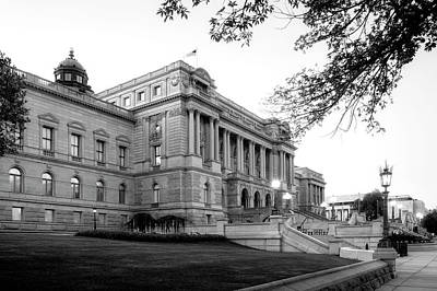 Early Morning At The Library Of Congress In Black And White Poster